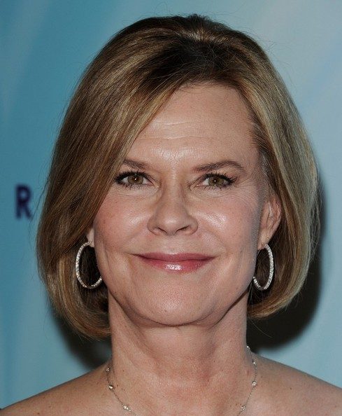JoBeth Williams Bob []