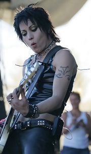 Joan Jett sported an artistic design tattoo while performing in Vancouver.