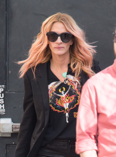 Julia Roberts kept her eyes hidden behind a pair of oversized sunnies while headed to 'Kimmel.'