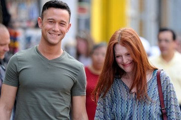 Julianne Moore Joseph Gordon-Levitt Stars on the Set of 'Don Jon's Addiction'