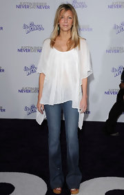 Heather donned an airy white tunic to the 'Justin Bieber: Never Say Never' premiere.
