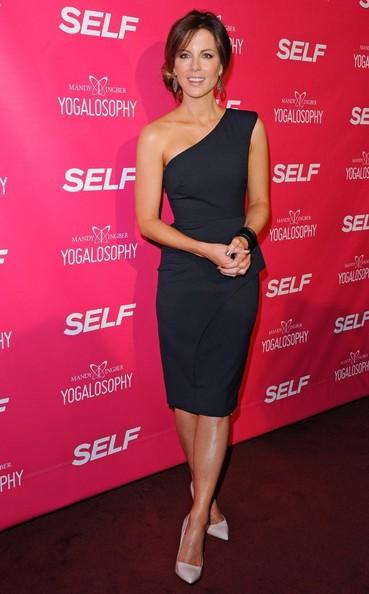 Kate Beckinsale One Shoulder Dress