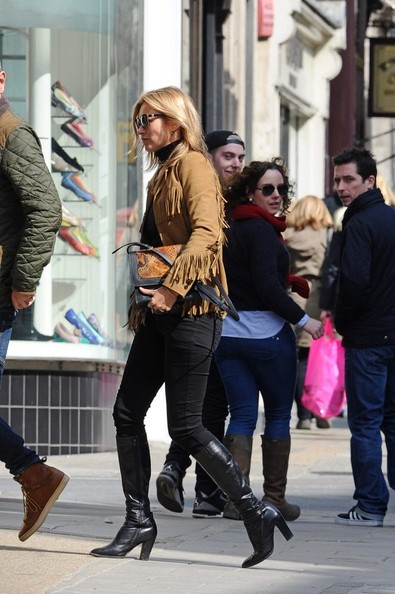 Kate Moss Grabs Lunch in London