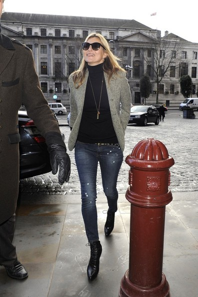 Kate Moss Heads Out on Valentines Day