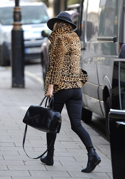 More Pics of Kate Moss Leather Tote (3 of 14) - Kate Moss Lookbook - StyleBistro