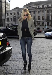 Kate Moss' skinny jeans were casual but classy for her day out.