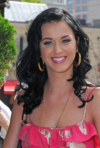 Katy Perry Long Curls []