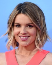 Ali Fedotowsky looked cute with her short wavy cut at the premiere of 'Katy Perry: The Prismatic World Tour.'