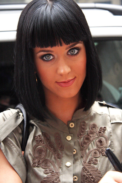 Katy Perry Pageboy []