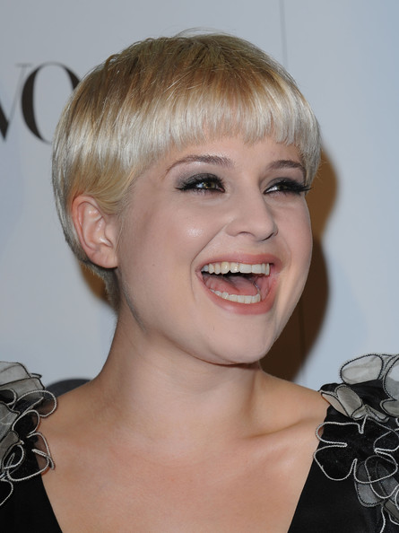 Kelly Osbourne Bowl Cut