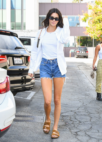 Kendall Jenner completed her comfy ensemble with a pair of tan Birkenstock Arizona sandals.