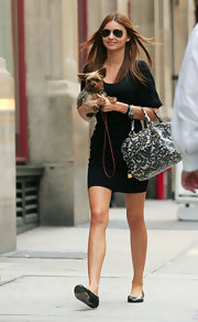 Miranda Kerr enjoyed a day downtown while carrying a printed shoulder bag.