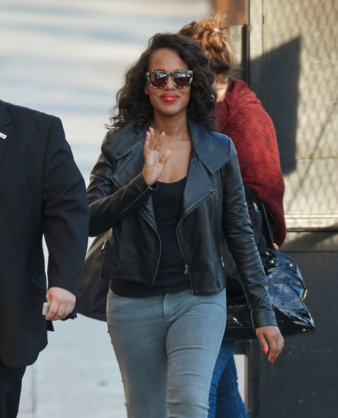 Kerry Washington made her way to the 'Jimmy Kimmel' studio wearing a pair of print sunglasses.