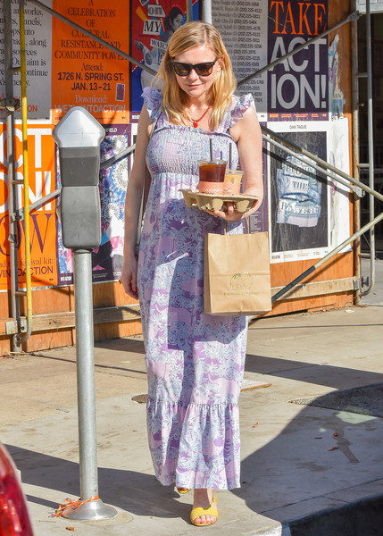 More Pics of Kirsten Dunst Flat Sandals (1 of 14) - Kirsten Dunst Lookbook - StyleBistro