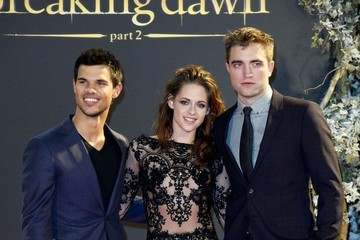 Kristen Stewart Robert Pattinson 'The Twilight Saga: Breaking Dawn - Part 2' Premiere