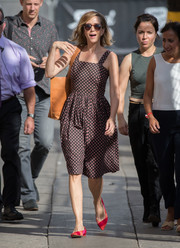 Kristen Wiig paired her dress with with colorful pointy flats.