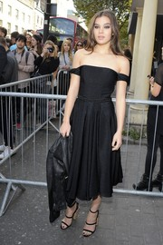 Hailee Steinfeld went for punky elegance in an off-the-shoulder LBD styled with a leather jacket during the Topshop Unique fashion show.