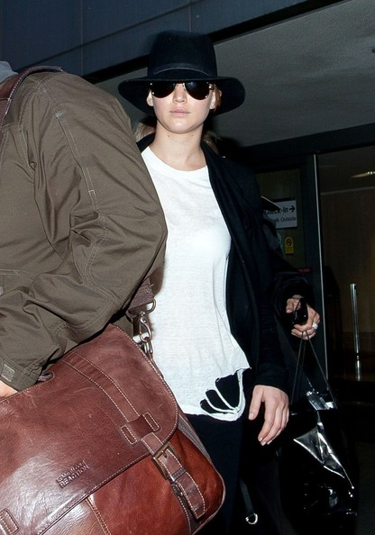 More Pics of Jennifer Lawrence Cardigan (2 of 12) - Jennifer Lawrence Lookbook - StyleBistro