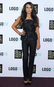 Naya Rivera paired her strapless bustier top with a pair of skinny pants for a cool and contemporary look.
