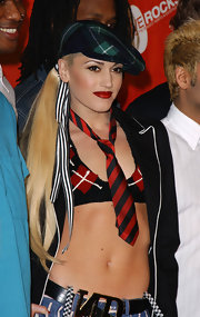 "Singer Gwen Stefani showed off her ""Rock Steady"" style in a plaid newsboy cap."