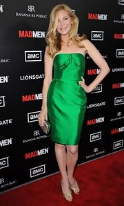 Jennifer Westfeldt made sweet arm candy for Jon Hamm in this strapless emerald dress.