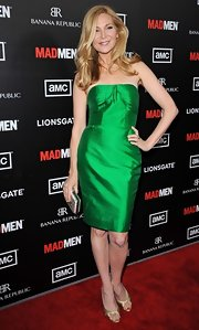 Jennifer Westfeldt's gold evening sandals and green strapless dress at the 'Mad Men' premiere were a very elegant pairing.