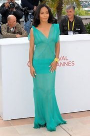 Jada Pinkett Smith looked oh-so-elegant in this turquoise chiffon gown with lovely godets at the 'Madagascar 3' photocall.