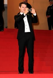 Elijah Wood looked great in a black suit at the Cannes premiere of 'Maniac.'
