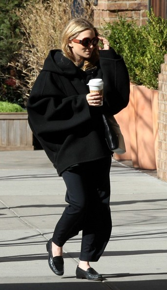 More Pics of Mary-Kate Olsen Wool Coat (5 of 6) - Wool Coat Lookbook - StyleBistro