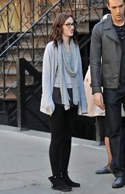 The gossip girl kept it casual with a black, fringe pair of mocassins. The comfy shoes are stylish and cozy for a day on the go.