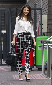 Michelle Keegan topped off her street-chic look with a quilted black tote by Chanel.