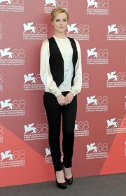Evan Rachel Wood paired her black and white Dolce & Gabbana ensemble with patent leather black pumps.