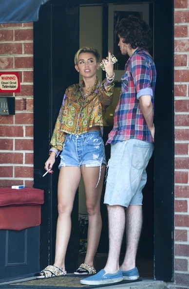 More Pics of Miley Cyrus Print Blouse (9 of 19) - Miley Cyrus Lookbook - StyleBistro []