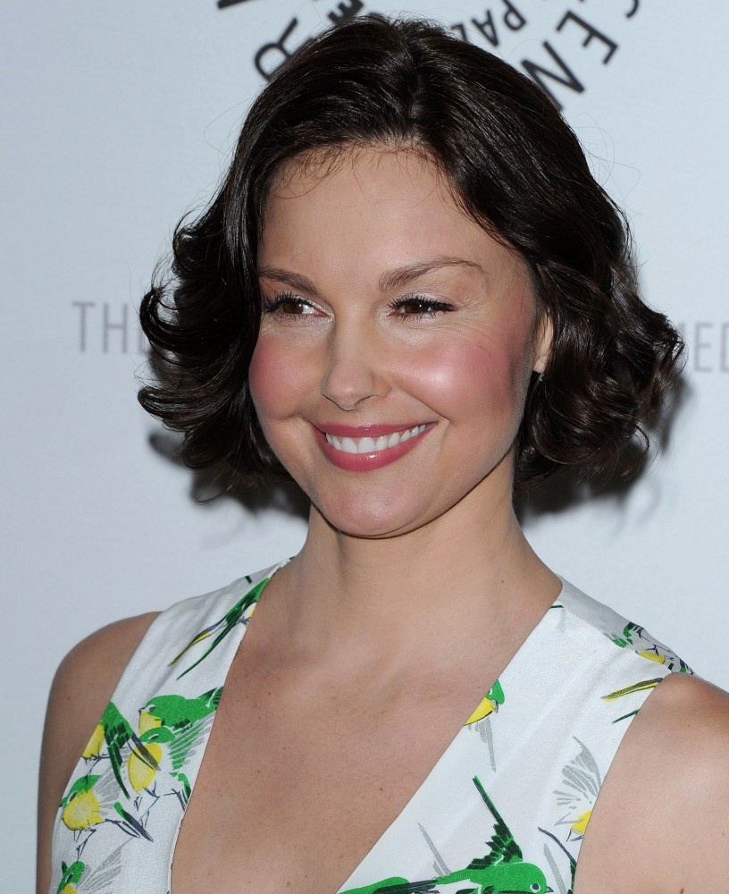 More Pics Of Ashley Judd Curled Out Bob 19 Of 37 Short