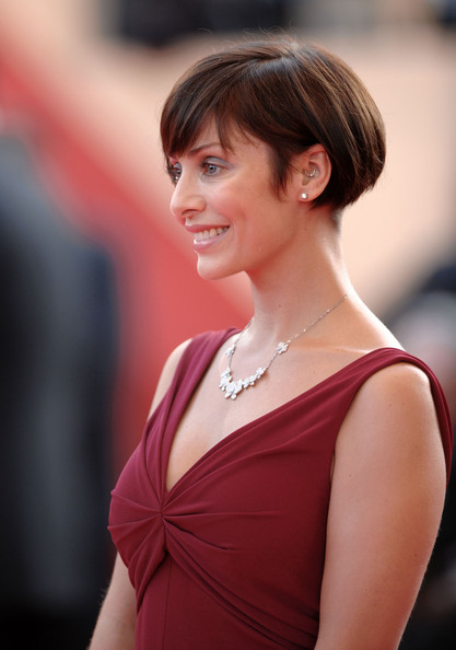 More Pics Of Natalie Imbruglia Bob 2 Of 12 Short