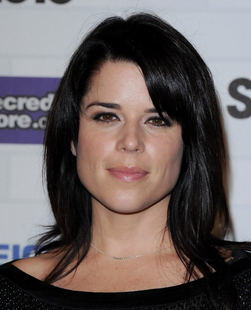 Neve Campbell Medium Straight Cut With Bangs