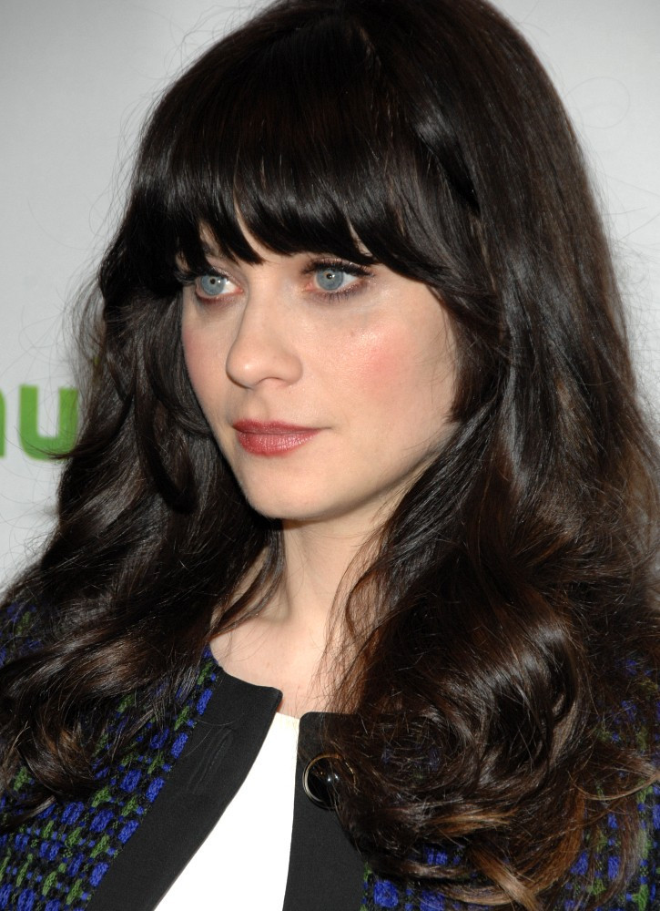 more pics of zooey deschanel long wavy cut with bangs 1