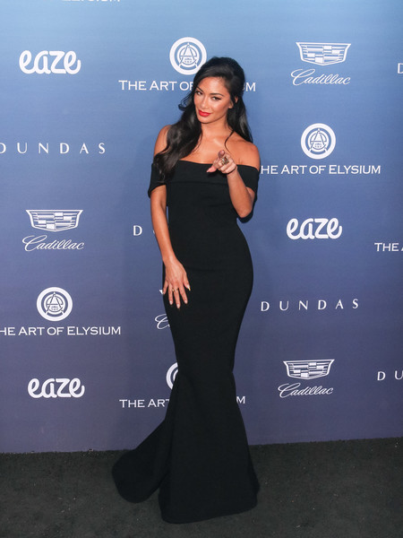 Nicole Scherzinger Off-the-Shoulder Dress []
