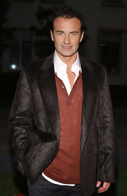 Julian McMahon topped off his layered ensemble with an iridescent brown blazer during the 'Nip/Tuck' Season 4 premiere screening.