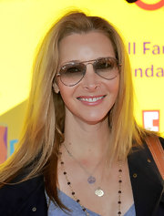 Lisa Kudrow finished off her look in cool style with a pair of aviators at the 2009 Express Yourself event.