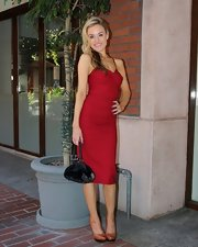 Paula Labaredas looked fabulous in this amazingly slinky little red dress.