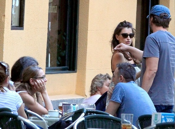 Penelope Cruz and Javier Bardem Dine Out