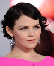 Ginnifer Goodwin wore a peachy-beige lipstick with a softly shimmering finish at the 2012 People's Choice Awards.