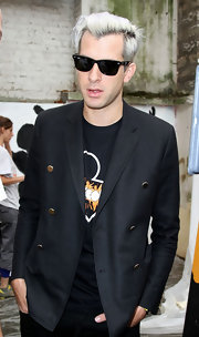 Mark Ronson's Ray-Ban Wayfarers were the perfect shades to go with his casual tee and wool pea coat.
