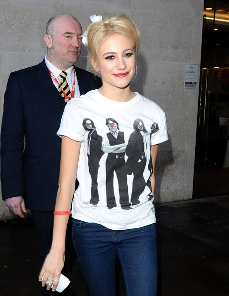 More Pics of Pixie Lott Skinny Jeans (1 of 13) - Pixie Lott Lookbook - StyleBistro