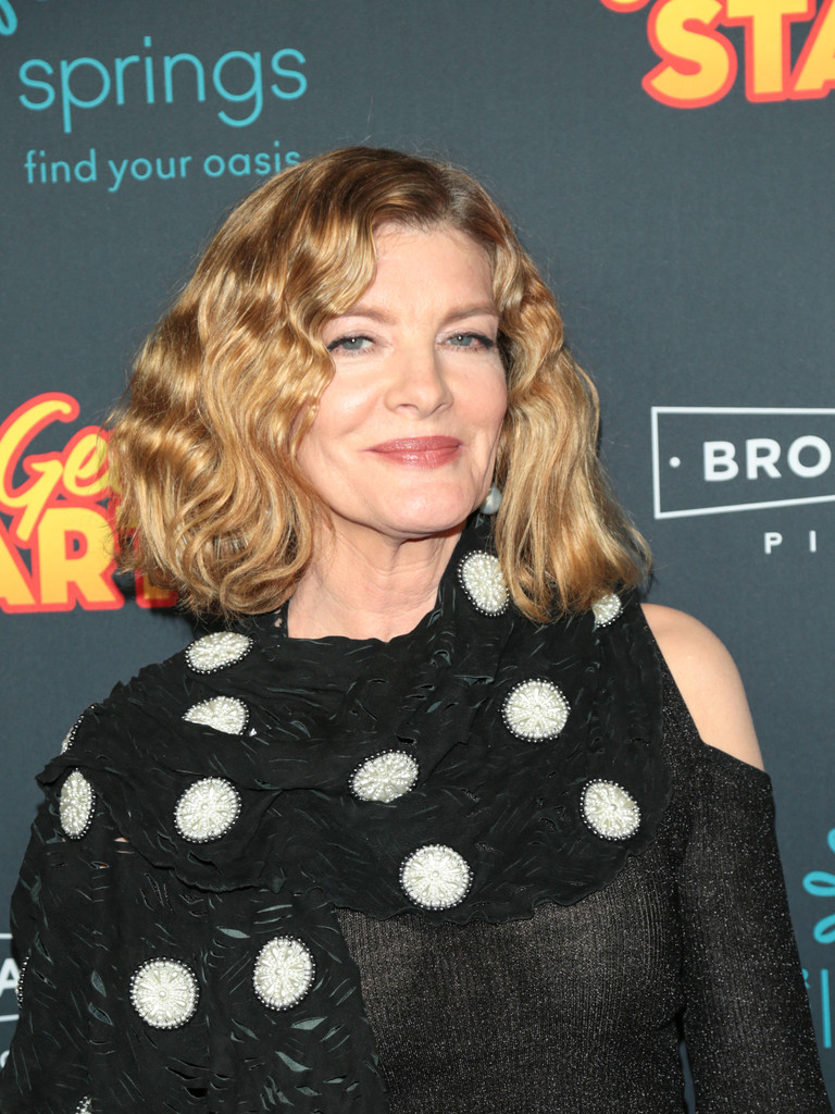 More Pics of Rene Russo Short Wavy Cut (1 of 38) - Rene