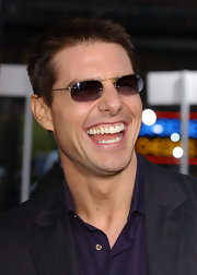 Rimless shades and a big smile help Tom promote 'Collateral'.