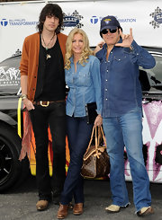 Shannon Tweed wore a pair of classic blue jeans to a charity event.