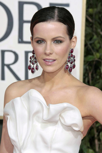 More Pics of Kate Beckinsale Gemstone Chandelier Earrings (1 of 2) - Kate Beckinsale Lookbook - StyleBistro