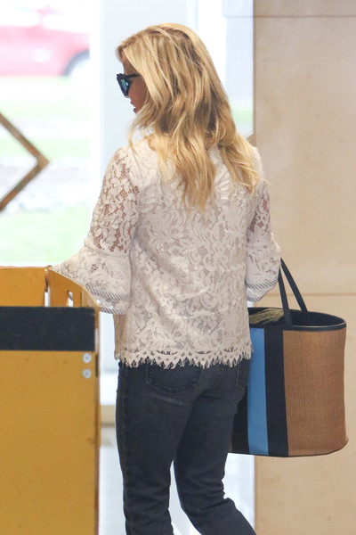 More Pics of Reese Witherspoon Wedges  (1 of 9) - Reese Witherspoon Lookbook - StyleBistro []